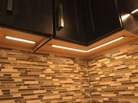Schrank Mit Led Beleuchtung by Led Cabinet Lighting
