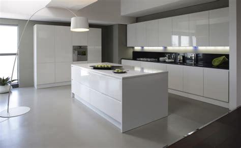 cuisine couleur wengé nouveau modèle de cuisine design armony dans le tarn