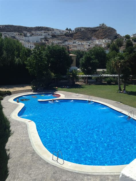 Local Swimming Pools  Cave Holidays Andalucia