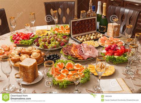 alcool cuisine alcool et nourriture sur une table image stock image