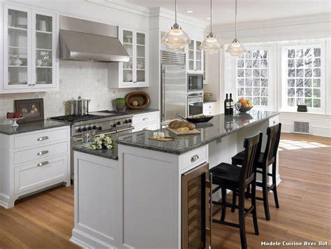 modele de cuisine modele cuisine avec ilot with classique chic cuisine décoration de la maison et des idées de