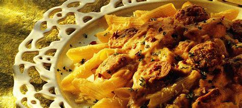 pate au saucisse italienne p 226 tes 224 la saucisse italienne avec sauce au fromage recette plaisirs laitiers