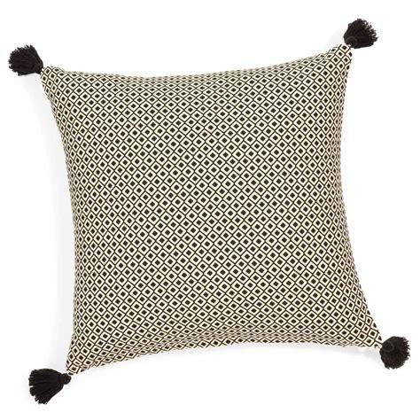chambre fille ado ikea housse de coussin à pompons en coton 40 x 40 cm ethnic