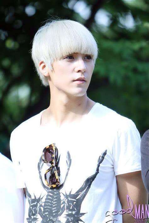 Blanco   Hombres con cabello blanco   Pinterest