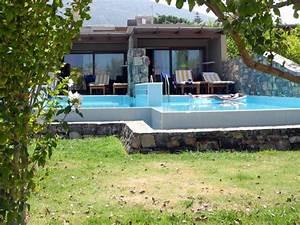 Bungalow Mit Pool : bungalow mit privatpool hotelbild blue sea village resort spa ~ Frokenaadalensverden.com Haus und Dekorationen