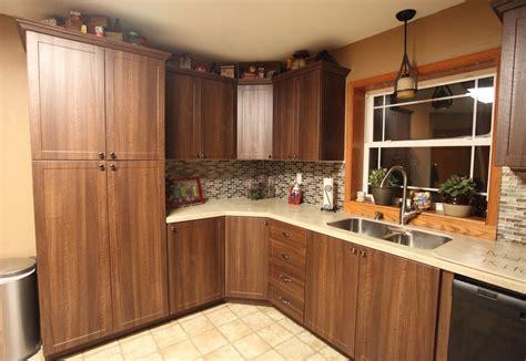 cuisine en pin meuble cuisine en pin blanc cuisine idées de