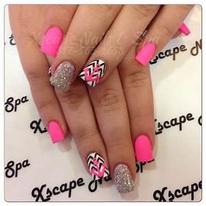 Chevron nails | Cute Nails Designs | Pinterest