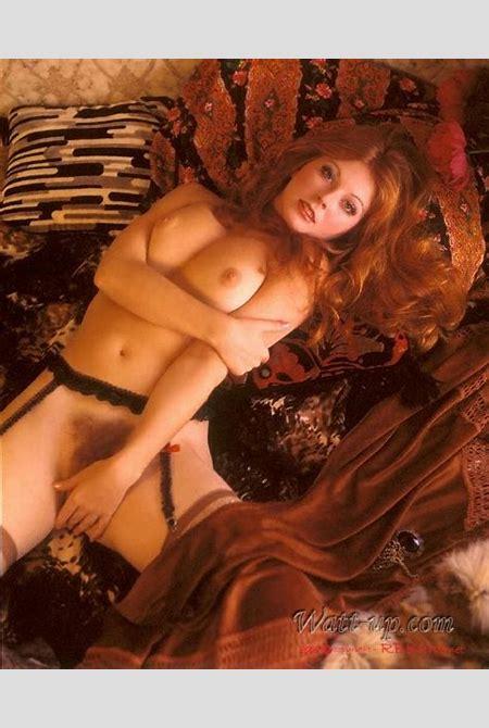 Elvira - Cassandra Peterson Picture Gallery Sexy Elvira pics - NSFW - Nude/Cassandra_Peterson ...