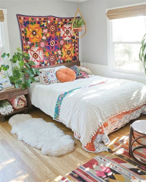 tenture chambre b de jolies chambres colorées shake my
