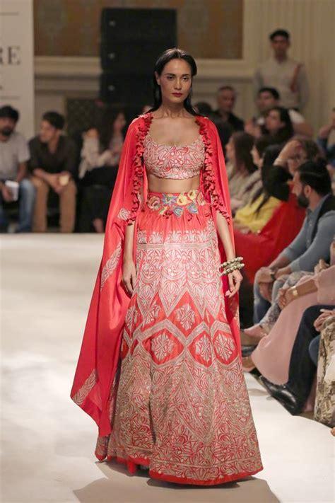 anamika khanna latest bridal dresses collection  pk