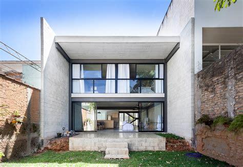 decoracion hogar economica dise 241 o casa econ 243 mica de dos pisos construye hogar