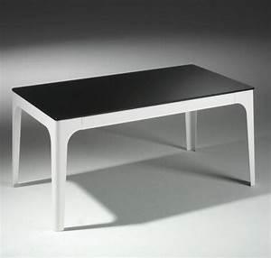 Table Basse Verre Et Acier : table basse mila en verre noir et pietement en acier laque blanc ~ Teatrodelosmanantiales.com Idées de Décoration
