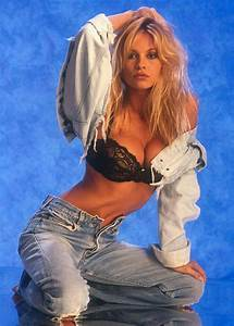 Pamela Anderson X : pamela anderson 90s woman pinterest celebrity 90s fashion and throwback outfits ~ Medecine-chirurgie-esthetiques.com Avis de Voitures