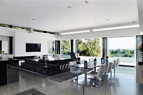 White Interior Design : Contemporary Home Open To Panoramic Views