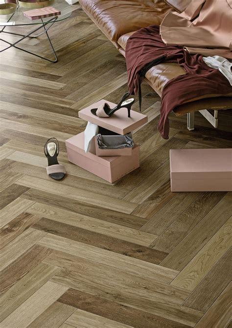chambre mur gris carrelage imitation bois et parquet marazzi