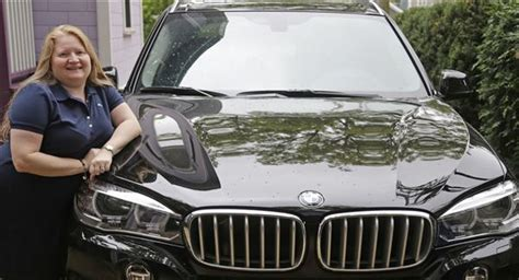 Women Are Buying More Luxury Vehicles