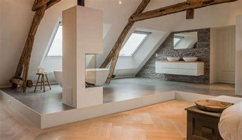 Einfamilienhaus Wohnzimmer Unterm Dach einfamilienhaus mit offenem bad kamin und dachfenstern im