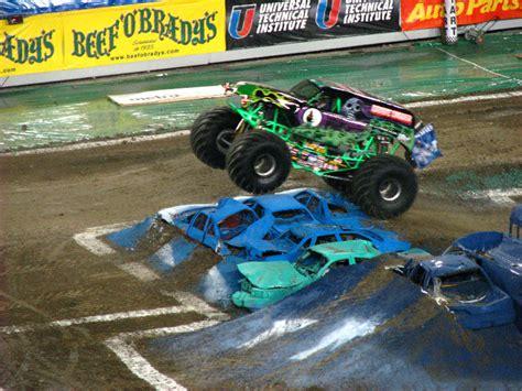 monster truck show south florida monster jam raymond james stadium ta fl 051