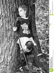 Fille Noir Et Blanc : jeune fille et arbre noir blanc photo stock image du ~ Melissatoandfro.com Idées de Décoration