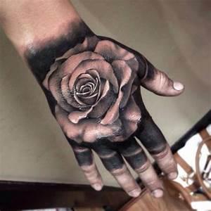 Rosen Tattoos Schwarz : die besten 25 schwarze rose tattoos ideen auf pinterest tatoo rosendesigns schulter tattoo ~ Frokenaadalensverden.com Haus und Dekorationen