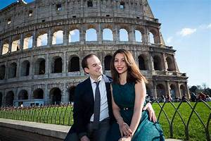 Engagement Photo Shoot in Rome | Walking in the alleyways