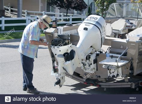 Winterizing A Boat Engine by How To Winterize A Boat Motor Impremedia Net