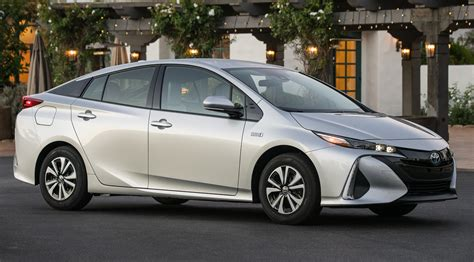 toyota hybrid why you should skip the toyota prius for the prius prime