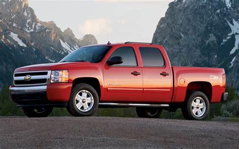 motor trend truck   year chevrolet silverado