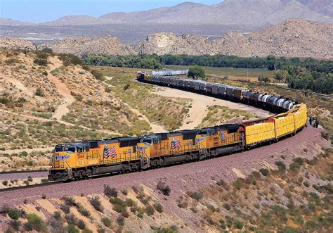 Union Pacific Freight Train at Frost | A westbound Union ...