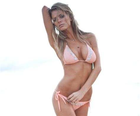 jennifer aniston sexy sexy stare pictures of brooklyn decker and jennifer