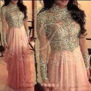 Les 25 meilleures idees de la categorie robe musulmane sur for Robe de mariage orientale
