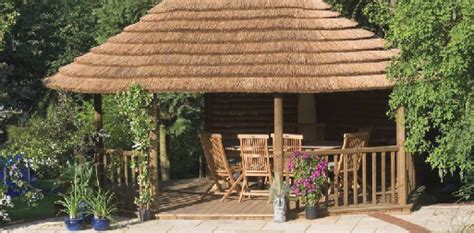 Tiki Hut Grass Roof by Versatile Tiki Thatch Roof Material With Free Shipping