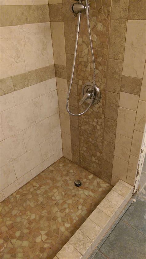 Dusche Fliesen Mosaik by Sandstone Mosaic Tile Shower Pebble Tile Shop