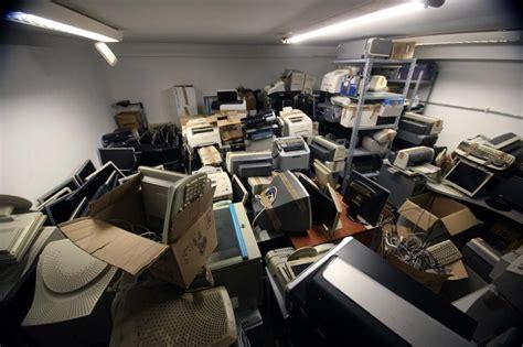 vendita all asta di beni mobili la gesip mette i beni in vendita all asta rottami e