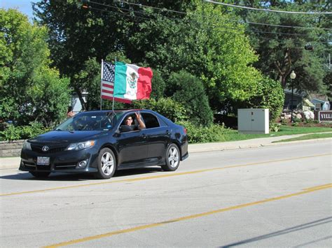 Caravan tradition revived in Elgin to celebrate Mexican ...