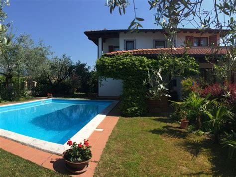 Villa Mit Pool Deutschland by Villa Lillo Mit Gro 223 Em Pool In Manerba Manerba Garda