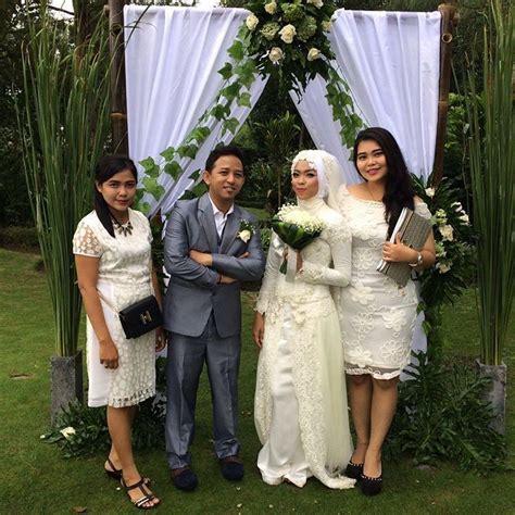 pernikahan outdoor tema kebun  bisa bikin nikahanmu