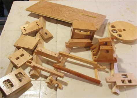 diy wooden engine plans    bookshelf