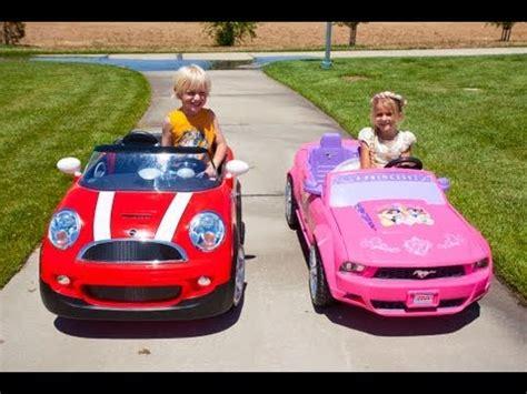 kid play car kids car race mini cooper vs the princess mustang youtube