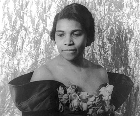 marian anderson biography childhood life achievements