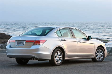 honda accord review specs pictures price mpg