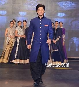 SRK, Deepika, Abhishek, Boman walk the ramp for Manish ...