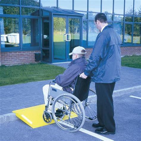 re d 180 acc 232 s amovible pour poussettes et fauteuils roulants direct signal 233 tique