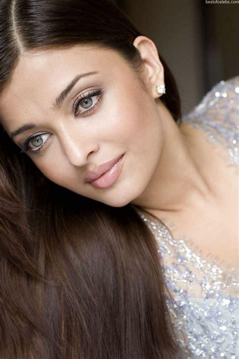 aishwarya rai hot cleavage show photo gallery stills