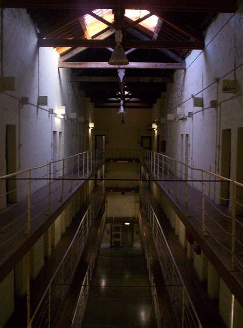 prison fremantle riot perth wikipedia australia inside division prisoners history interesting guide limestone lodge scars essential past wiki three wikimedia