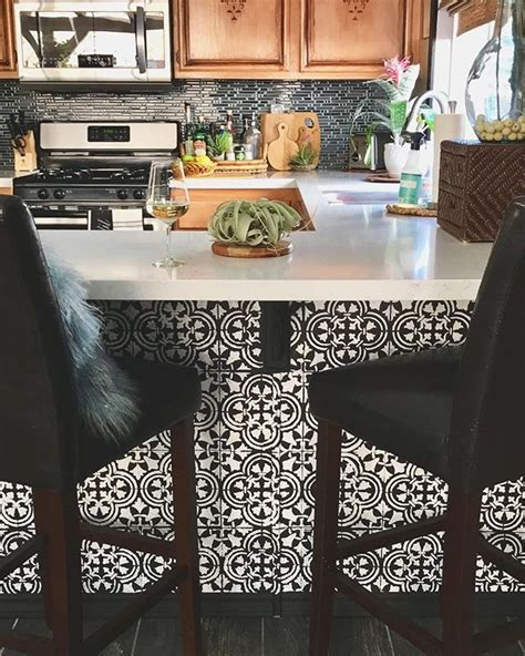 kitchen tile stencils 25 best ideas about stencil designs on 3289