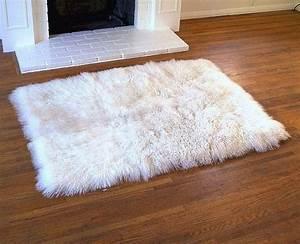 White fur rug white fur rugs tibetan lambswool for Fur rugs