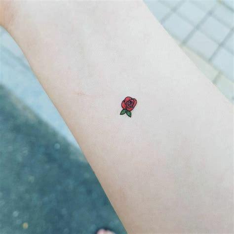 Tatouage Petite Rose 1001 Id Es Tatouage Rose Poignet Elles