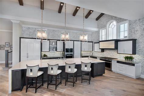 cuisine ouverte sur salon avec bar luxueuse villa de rêve pour des vacances de tout confort