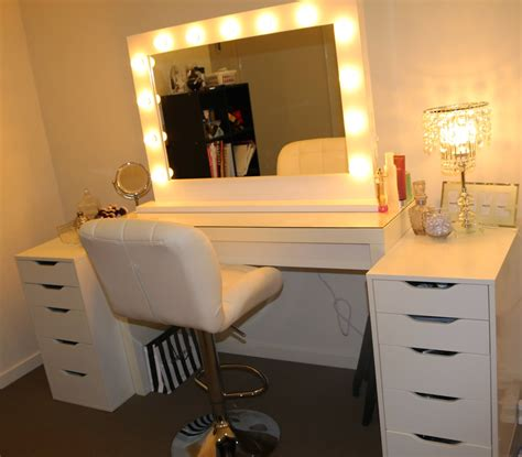 Makeup Desk With Light Bulbs by Http Roguehairextensions 2014 11 Ikea